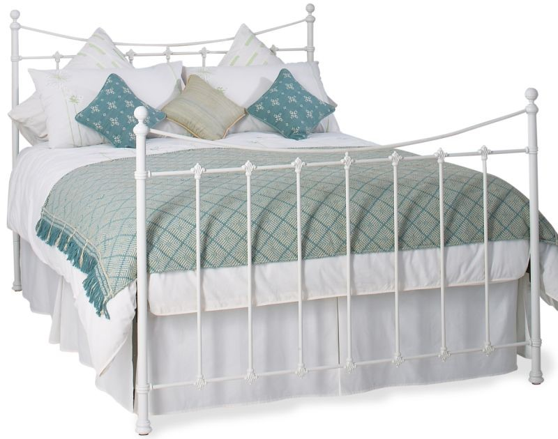 Chatsworth Iron Bed By Original Bedstead - Kingsize | Black Or White