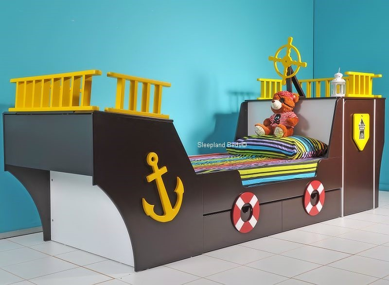 Good Childrens Pirate Ship Bed ...